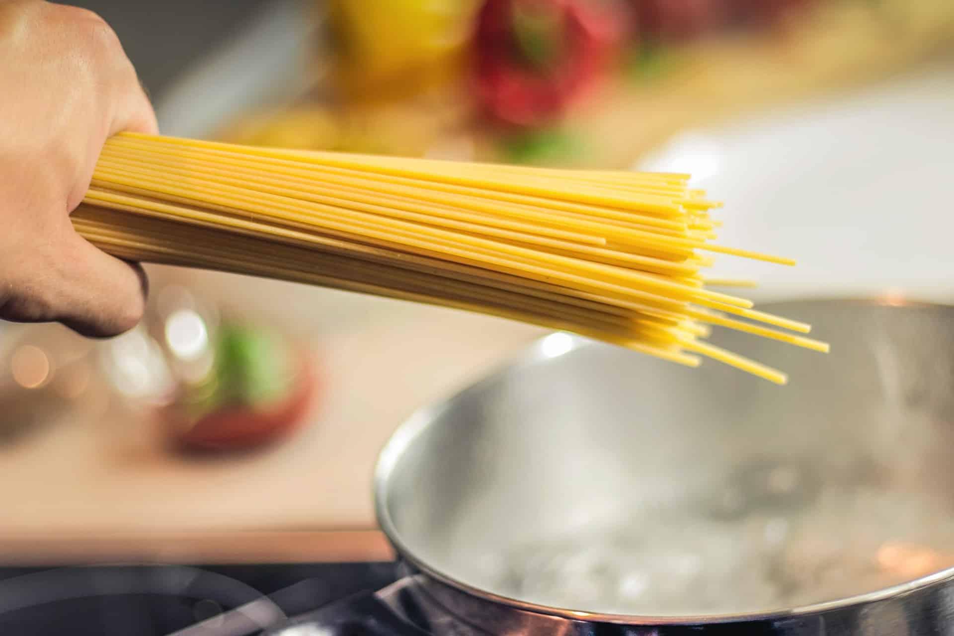 spaghettoni aglio olio e peperoncino