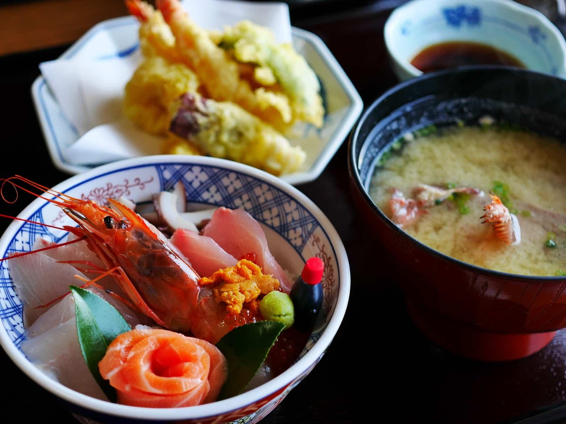 Japan food. Sushi, ramen e…
