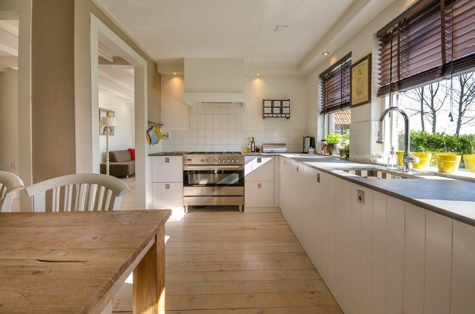Pulire e disinfettare la cucina